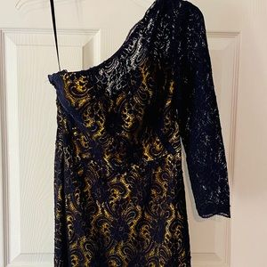 Dresses & Skirts - One shoulder navy and yellow dress